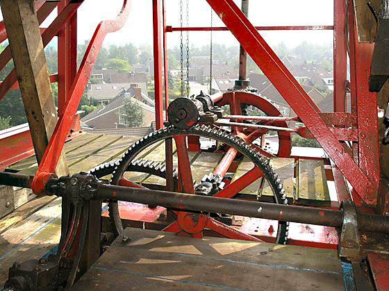 De Sterrenberg, Nijeveen, De constructie van de stoel van de windroos.  Foto: Willem Jans (29-7-2006).