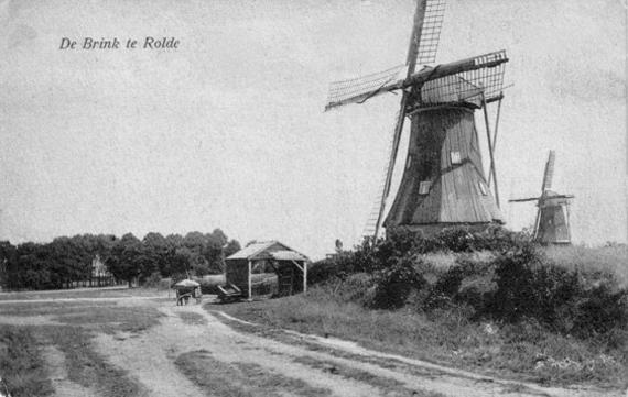 (grondzeiler), Rolde, Foto: n.b. (verzameling Rob Pols).  De molen op de achtergrond is mogelijk de zeskante stellingmolen van Berends die in 1919 werd afgebroken.