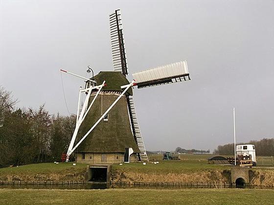 De Marssumermolen, Marssum, Foto: Willem Jans (11-3-2006).