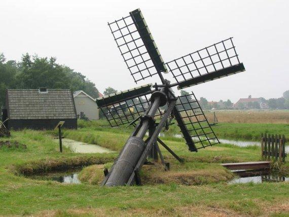 (paaltjasker), Nij Beets, Foto: W. Jans (10-08-2003).