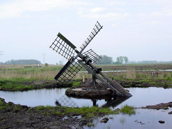 (paaltjasker), Veenwouden, Foto: Harmannus Noot (01-05-2005).