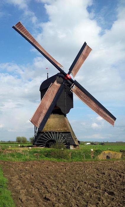 Zandwijkse Molen, Almkerk, Foto: Theo de Rooij (22-4-2012).