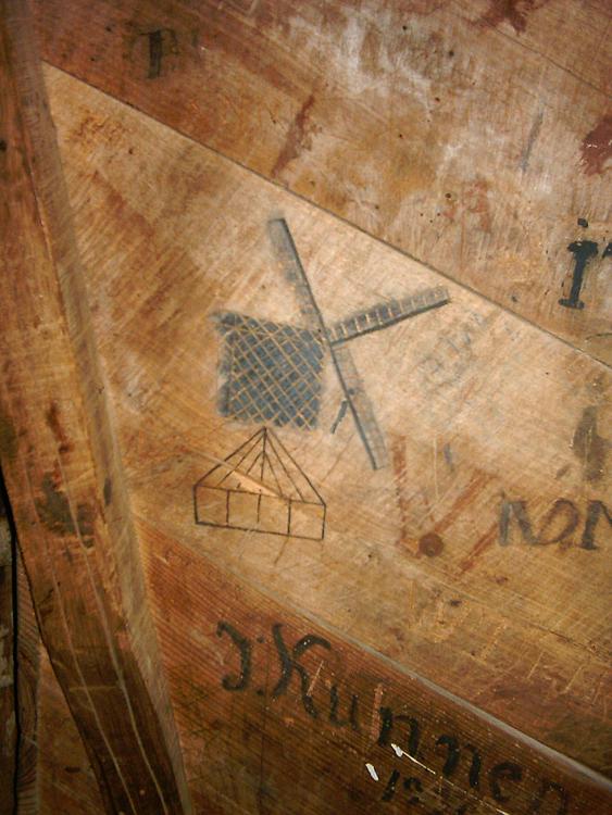 (standerdmolen), Bergeijk, Foto: Rob Simons (7-10-2006).