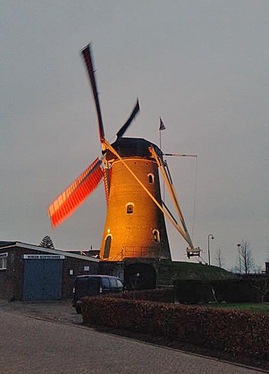 De Hoop, Den Hout, De Hoop draaiende op het zuidoosten.  Foto: Tony Hop (31-1-2014).