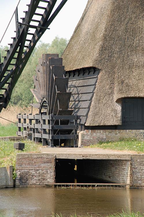 Noordeveldse Molen / Nieuwe Molen, Dussen, Foto: Rob Pols (29-4-2011).