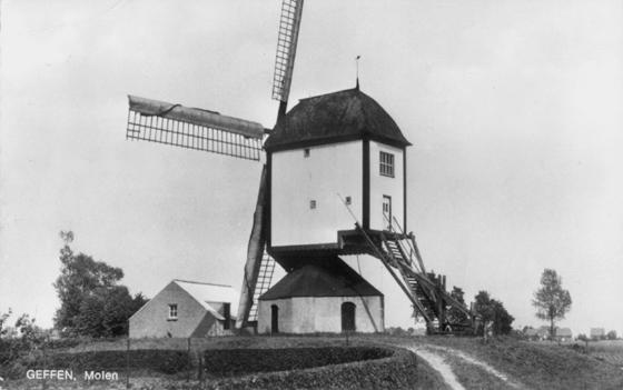 Zeldenrust, Geffen, De Zeldenrust in zijn gedaante van na 1939, met omtimmering van de galerij en het systeem Dekker.  Foto: n.b. (verzameling Ton Meesters).