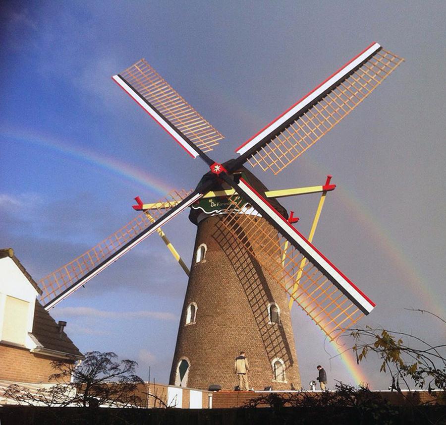 De Korenbloem, Mill, Hoera, de molen draait! Foto: Ramon Lichthard (27-1-2015).