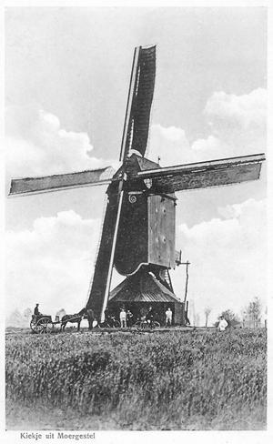 (standerdmolen), Moergestel, Bijzonder fraaie opname uit 1915 of daaromtrent.  Foto: verzameling Ton Meesters.