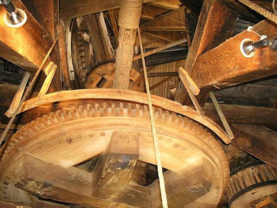 Assumburg, Nieuw-Vossemeer, Foto: Willem Jans (26-3-2006).