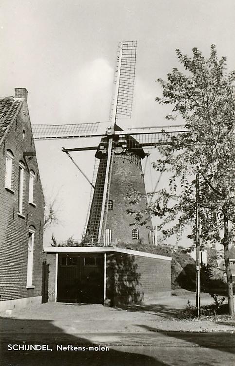 Catharina, Schijndel, De molen vóór 1957.  Foto n.n., ingezonden door Martin E. van Doornik.