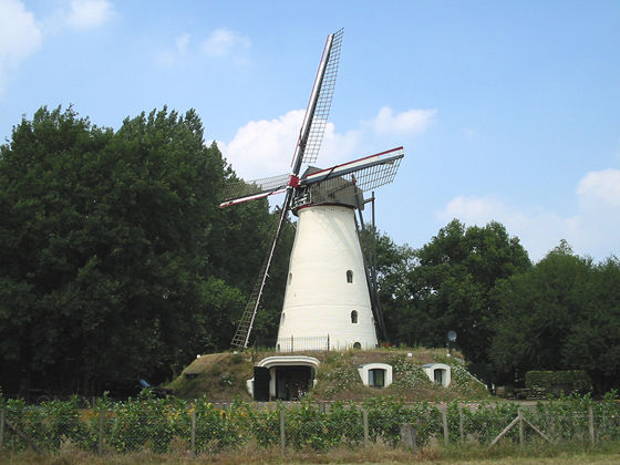 De Genenberg, St. Michielsgestel, Foto: Rob Pols (20-07-2006).