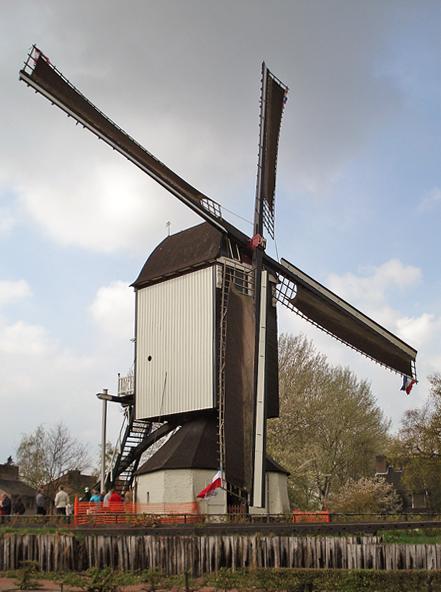 (standerdmolen), Rosmalen, Foto: Anja Hoogduin (22-5-2012).