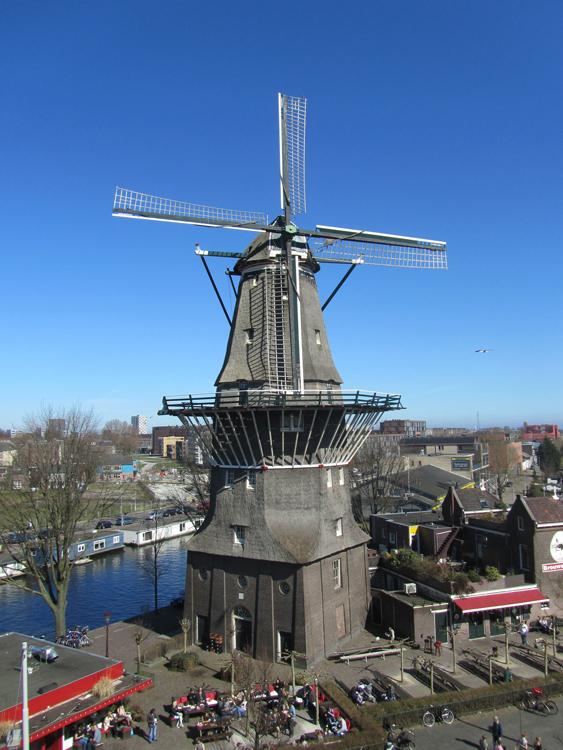 De Gooyer, Amsterdam, Foto: J. van Hertum (25-03-2012 - via Wikipedia)