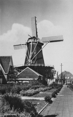 De Dikkert, Amstelveen, De molen ca. 1955.  Foto: n.b. (verzameling Rob Pols).