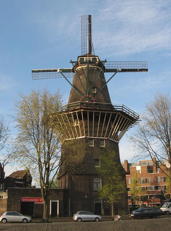 De Gooyer, Amsterdam, Foto: Piet Glasbergen (17-4-2014).