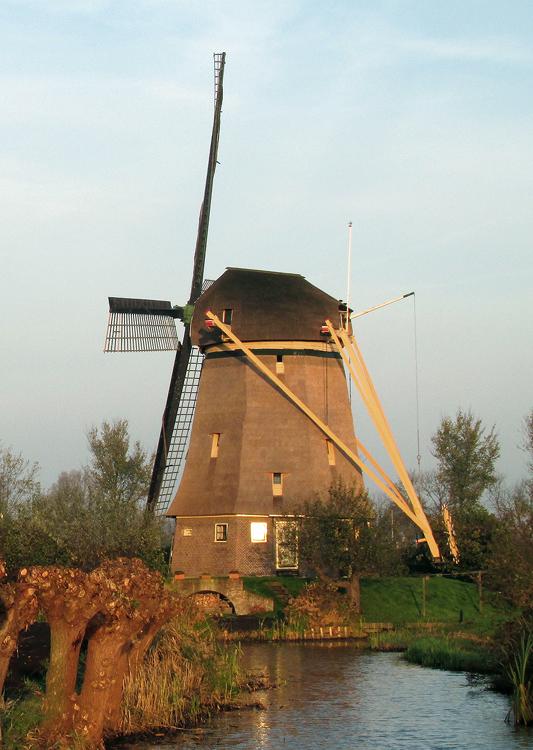 De Zwaan, Ouderkerk aan de Amstel, Foto: Piet Glasbergen (11-11-2014).