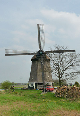 Strijkmolen L, Rustenburg, Foto: Gerard Roomer (28-4-2010).