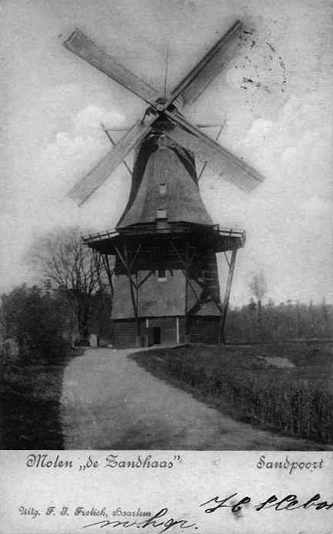 De Zandhaas, Santpoort, Foto uit 1904, let op de bliksemafleider op de kap!  Collectie Rob Pols.