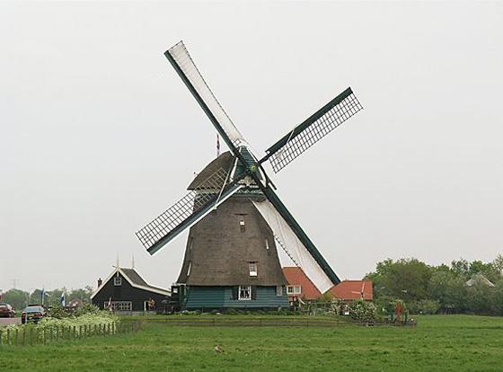 Tweede Broekermolen, Uitgeest, Foto: Willem Jans (13-5-2006).