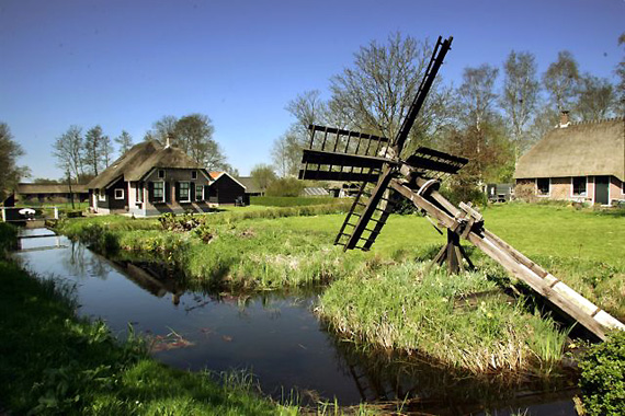 Noord, Giethoorn, Foto: Wilbert Bijzitter (juni 2005).