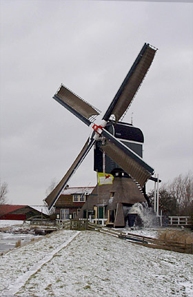 Oukoper Molen, Nieuwersluis, Foto: Piet Schiereck (9-1-2010).