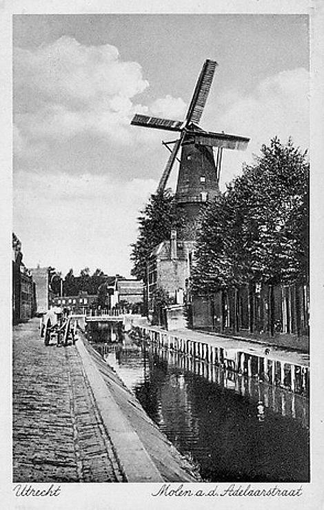 Rijn en Zon, Utrecht, Op deze oude foto heeft de Rijn en Zon nog zelfzwichting.  Foto: n.b. (verzameling Rob Pols).