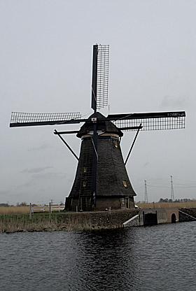 Overwaard Molen No.4, Kinderdijk, Foto: Mark Remmerts (5-4-2010).