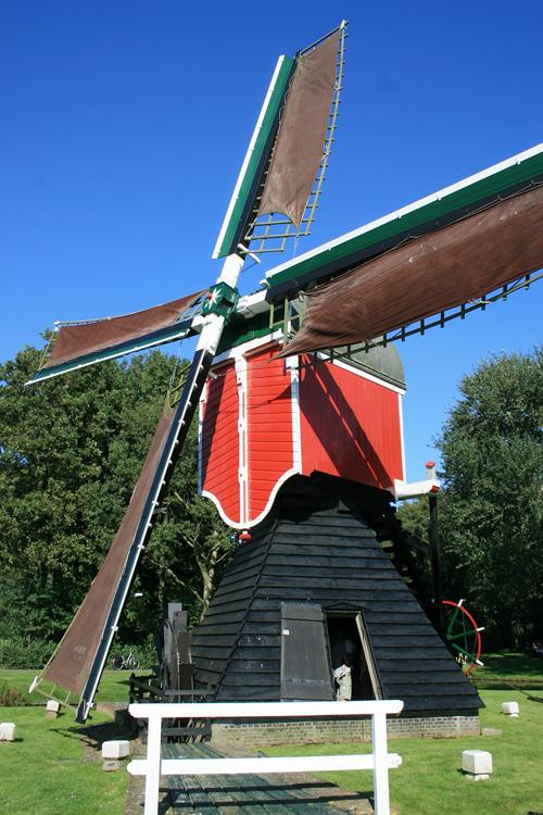 Oudenhofmolen, Oegstgeest, Foto: Joram Wijling (9-9-2012).