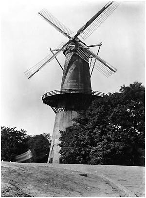 De Drie Koornbloemen, Schiedam, De Drie Koornbloemen rond 1925.  Foto: ? (verzameling Frans Kroon).