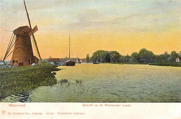 Zwanburgermolen, Warmond, Bijzonder mooie - ingekleurde - ansichtkaart.  Foto: n.b. (verzameling Rob Pols).