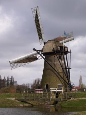 Pendrechtse Molen, Barendrecht, Foto: Barend Zinkweg (12-04-2006).