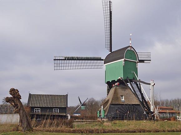 Oostmolen, Gorinchem, Foto: Theo de Rooij (11-3-2012).