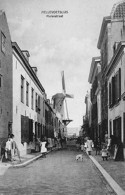 De Hoop, Hellevoetsluis, Foto n.n., begin 20e eeuw (coll. Rob Pols).