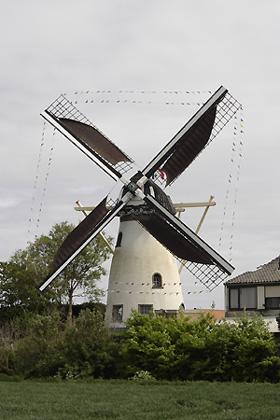 De Dankbaarheid, Herkingen, Foto: L.A. van der Meijden (5-5-2005).