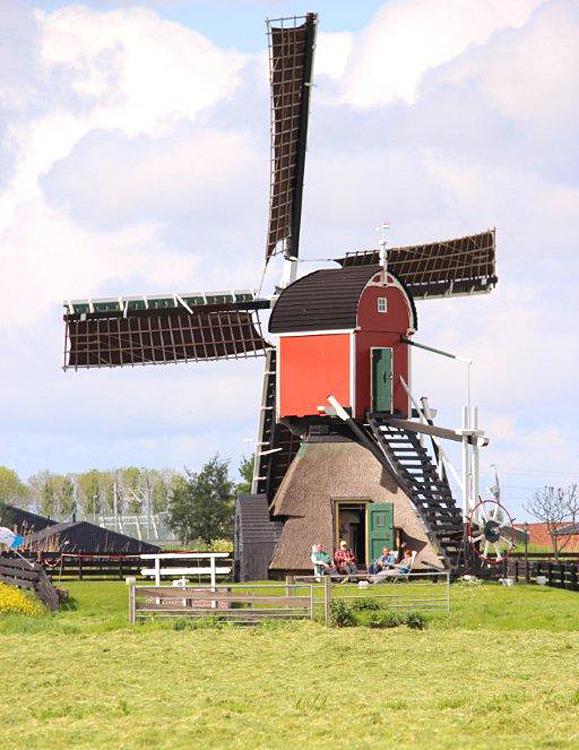 Doesmolen, Hoogmade, Foto: Frits Kruishaar (12-5-2012).
