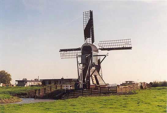 Nieuwe Hofmolen, Warmond, Foto: J. Roest.
