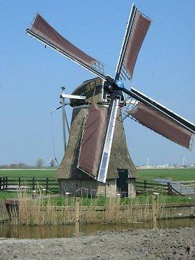 Kingmatille, Dronrijp, Foto: Willem Jans (15-4-2003). | Database Nederlandse molens