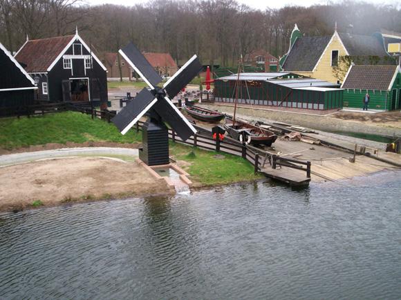 (weidemolen), Arnhem, Het molentje na de meest recente opknapbeurt. Mark den Boer (april 2009).    Database Nederlandse molens