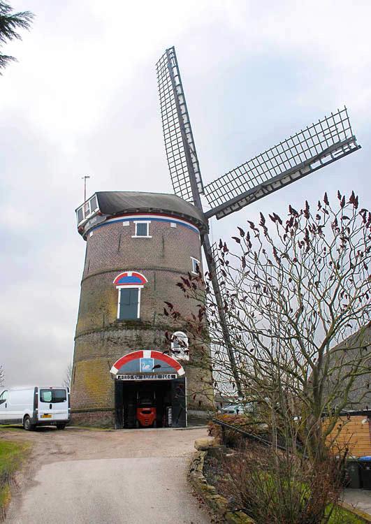 De Zwaan, Lienden, Gerrit ten Brinke (28-2-2013) | Database Nederlandse molens