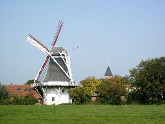 Zeldenrust, Westerwijtwerd, Jan van der Molen (20-9-2003). | Database Nederlandse molens