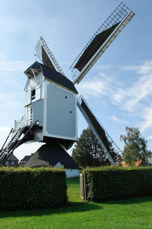 (standerdmolen), Bergeijk, Frits Kruishaar (20-8-2011) | Database Nederlandse molens