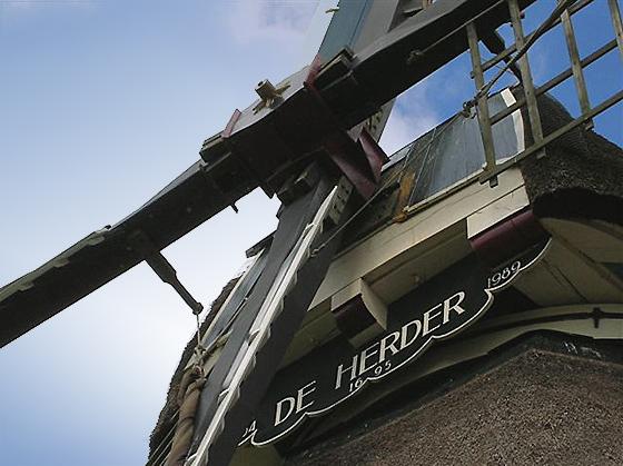 De Herder, Medemblik, Toby de Kok (26-8-2006).  | Database Nederlandse molens