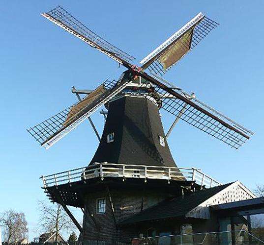 De Wippe / Molen van Fakkert, Hellendoorn, De molen draait op het westen.  Alwin Schoemaker (28-9-2012). | Database Nederlandse molens