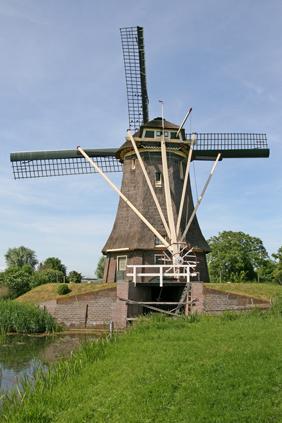 Hoekermolen, Vreeland, Ton Koorevaar (22-6-2010).   Database Nederlandse molens