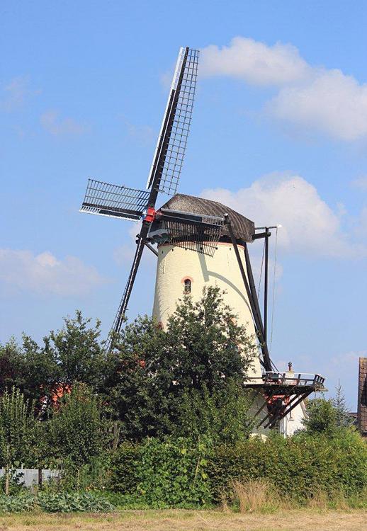 De Korenaar, Poortvliet, Frits Kruishaar (11-8-2012). | Database Nederlandse molens