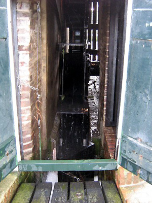 Stadsmolen, Leiden, Toby de Kok (16-9-2007)   Database Nederlandse molens