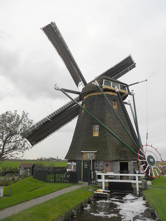 Waterloosmolen, Rijpwetering, Rob Simons (28-10-2012)   Database Nederlandse molens
