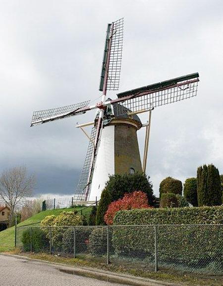 De Korenbloem, Oude-Tonge, Frits Kruishaar (21-4-2012). | Database Nederlandse molens